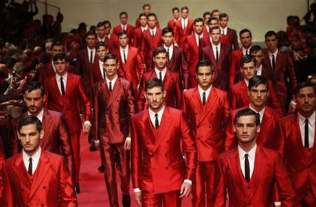 Dolce&Gabbana presents a flourish of crimson suits