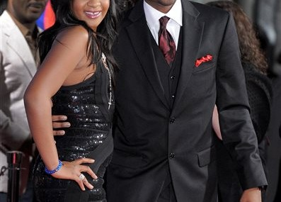 Feud grows between father, partner of Bobbi Kristina Brown