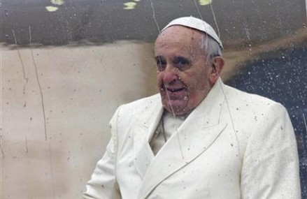 Pope challenges world to clean up its filth