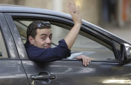 2 Al-Jazeera journalists pardoned by Egypt leader are freed